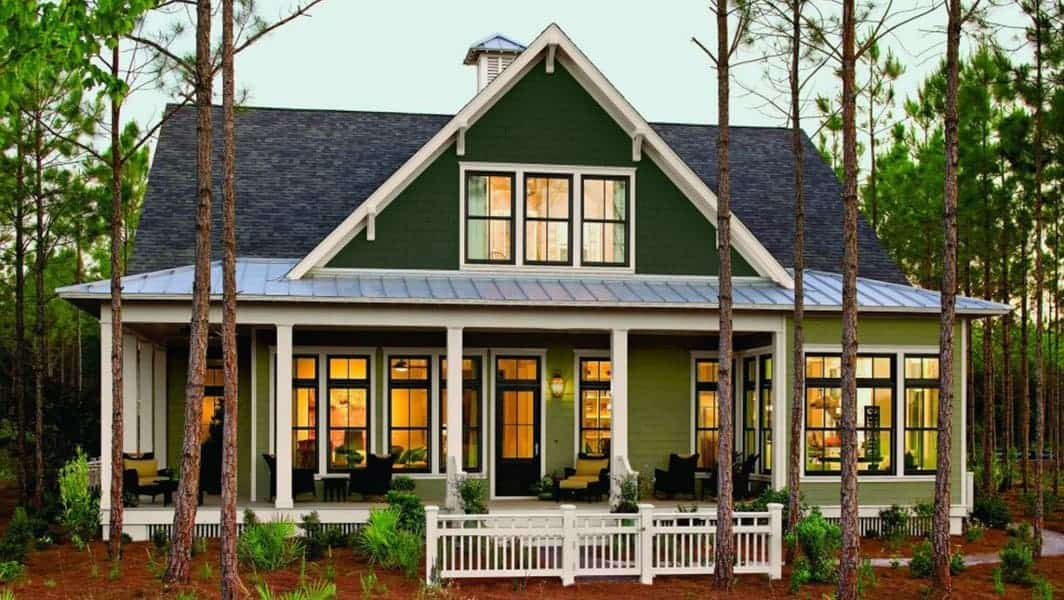 Siding at Amazing Exteriors House in Woods